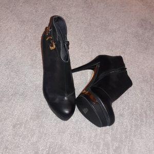 black/gold heels bottles